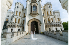 Wedding in Prague Hluboka Castle