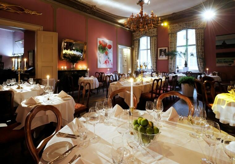 Wedding receptions in prague decadency in its prime for Design hotel jewel prague tripadvisor