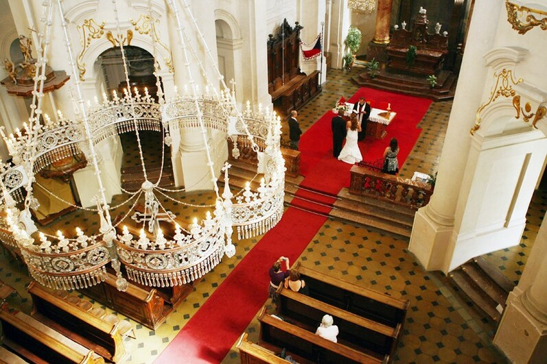 protestant weddings st nicholas church wedding in prague