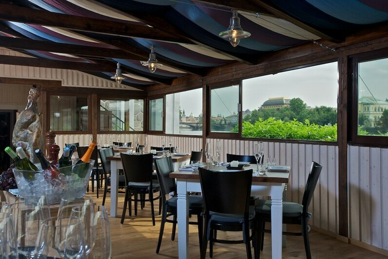 Wedding receptions in prague riverside terrace for Restaurant with terrace